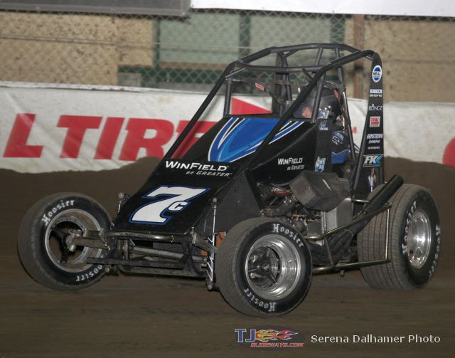 Caleb Armstrong beats Sammy Swindell at the Chili Bowl