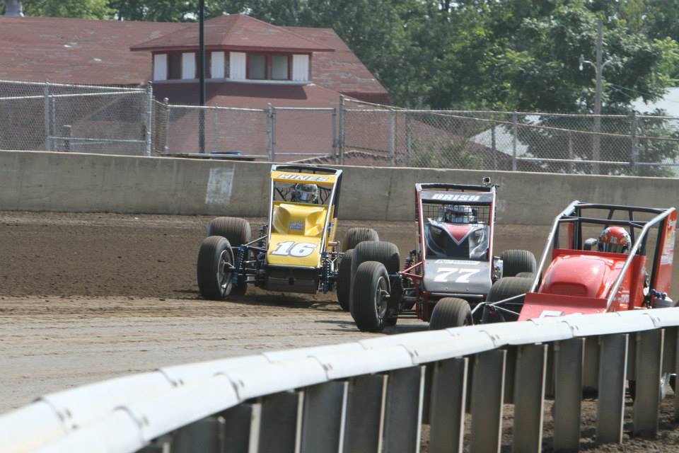 Hugging the fence line at the Springfield mile